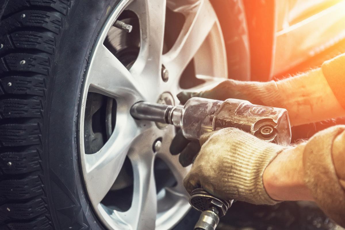 Vente et montage de pneus par un professionnel autour de Pomeroles